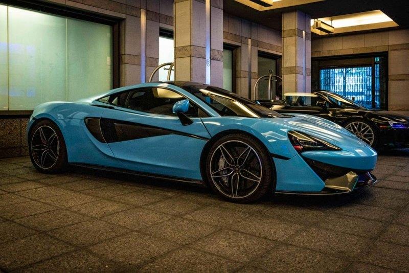 McLaren-570s-Blue