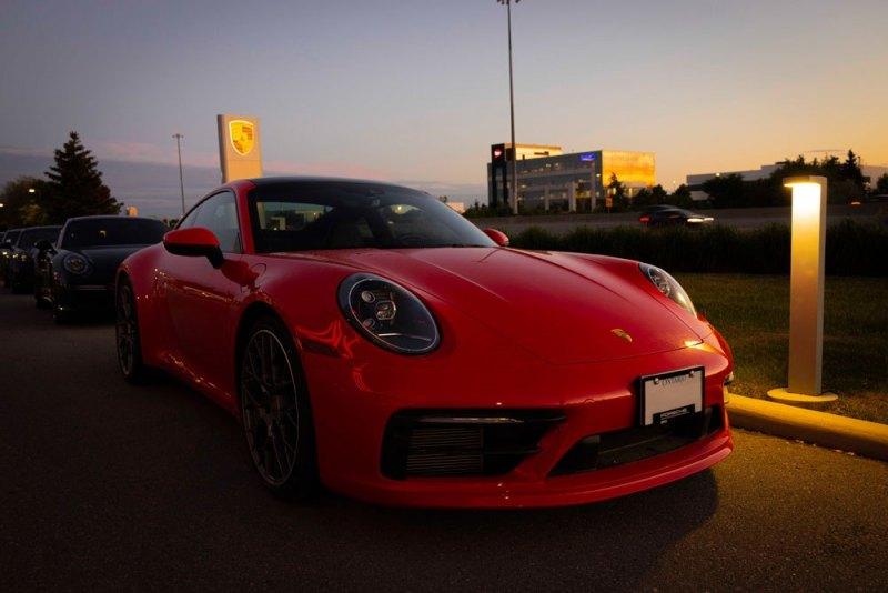 Porsche-992Red02