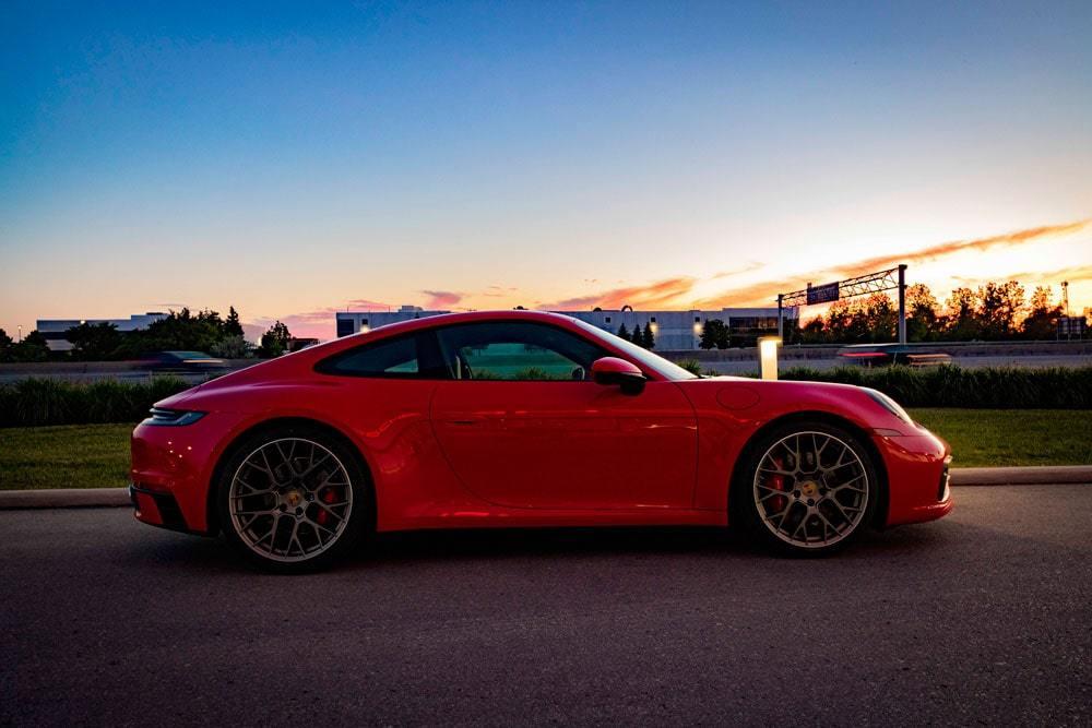 01-Porsche-992Red01